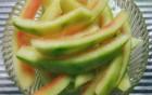 西瓜皮应该咋分类?留下来煲汤是个宝