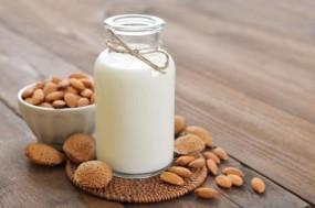 意想不到!喝牛奶可能会加剧胃溃疡症状