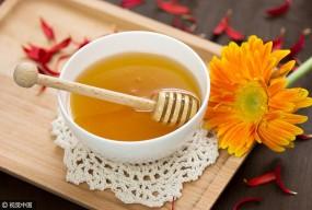 """饮食界的""""百搭王""""?蜂蜜这么吃疾病靠边站"""
