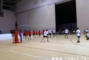市体育节男子九人排球赛开赛