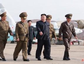 金正恩观摩并指导新型战术制导武器试射