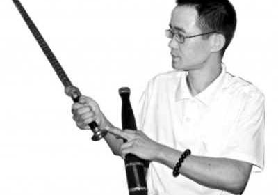 广东民间工艺师陈再荣 耗费十余年重铸勾践剑