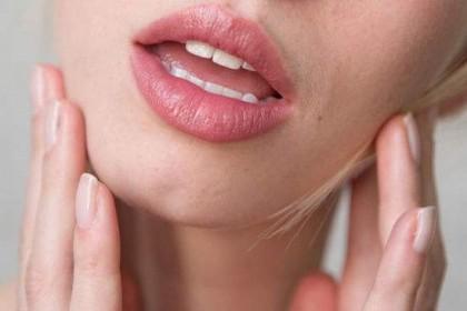 六种唇色看健康:发炎破皮代表脾胃积热