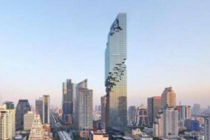 泰国第一高楼:白天被吐槽为烂尾工程,晚上美不胜收!