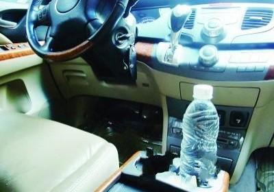 夏季长期放在车内的矿泉水能喝吗?