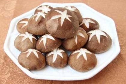 香菇、金针菇、平菇 秋季吃蘑菇有讲究