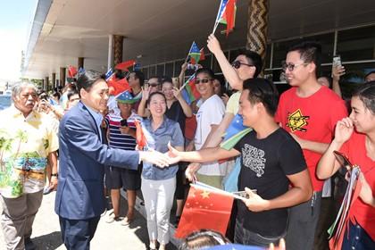 见证所罗门群岛首次中国国庆升旗仪式的是这位中国大使