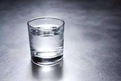 晨起空腹一杯水,真的人人都适合吗?