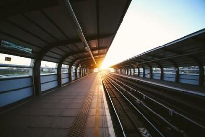 悉尼中国男子火车站台滑落 铁路局探索安全新方法