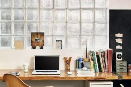 玻璃砖做墙面太酷炫 采光性好还能减少噪音污染