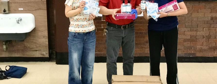 纽约台山乡亲向当地学校捐赠防疫物品