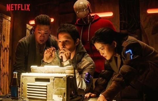 宋仲基新电影《胜利号》放弃院线,通过NETFLIX全球线上公映