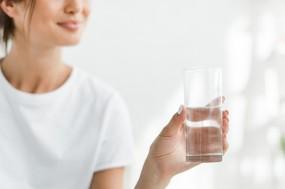 一天喝8杯水,对肾脏是负担吗?