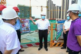 李惠文、郑劲龙深入建筑工地督查安全生产工作