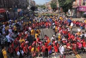纽约布鲁克林华人协会举办清洁活动 上千民众参与