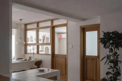 """140㎡旧房改造,沙发背后的""""洞洞墙"""",这个家还有专属打卡点!"""